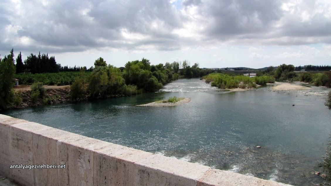 tarihi aspendos köprüsü (köprüpazar köprüsü)