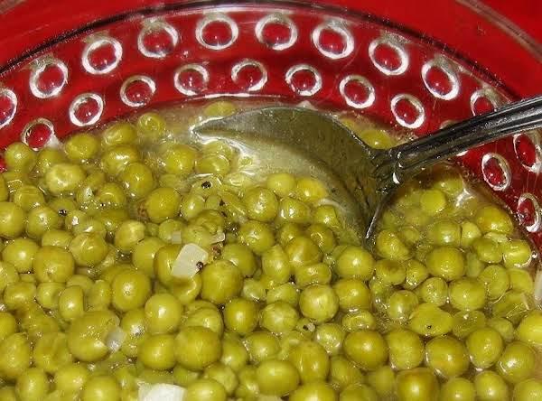 Mama's English Peas With Sauteed Onion Recipe