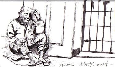 Photo: 枯坐角落的人犯2011.11.07鋼筆 法律規定判刑確定發監執行的受刑人,除身心罹病達一定程度外都要參與作業,養成勤勞之習慣好復歸社會防範其再度犯罪,這立意雖善卻也造成監獄執行實務上的某些困難。這位收容人身罹慢性病卻未達入病舍收容的程度,因無法跟上工場其他人犯作業的速度就只能在角落坐著,看到枯坐等待收工回房的他,我的心裡寄與無限的同情....