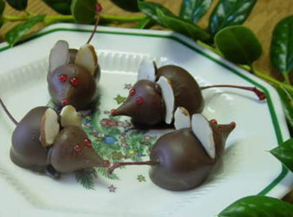 Chocolate Mice - Dee Dee's Recipe