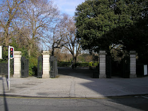 Photo: South-east entrance to St. Stephen's Green