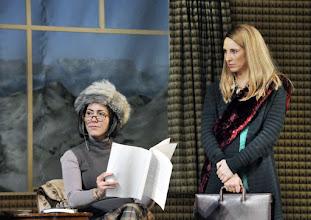 """Photo: WIEN/ Theater in der Josefstadt: """"Totes Gebirge"""" von Thomas Arzt. Inszenierung: Stephanie Mohr. Premiere am 21.1.2016. Susa Mayer, Maria Köstlinger.. Copyright: Barbara Zeininger"""