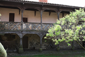 Photo: J23 : Montverdun, prieuré