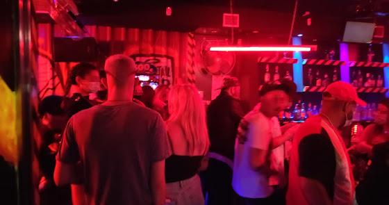 Desalojan, por segunda vez, un pub en Blas Infante con más de 50 personas
