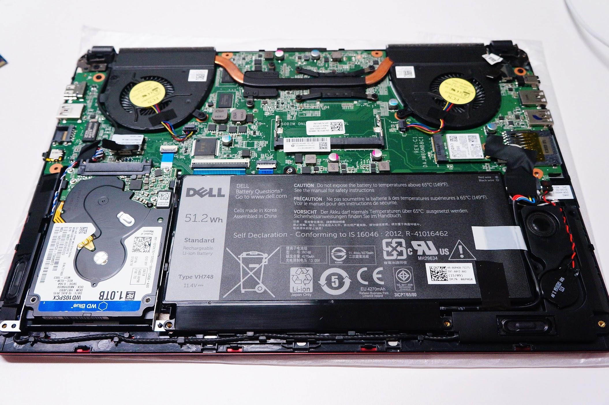 剛回來就拆機了!!! 預設是4G ram,1T藍標WD硬碟.....還好都很好換掉XDD