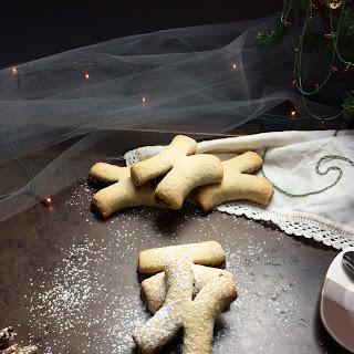 Spiced Italian Christmas Fig Cookies.
