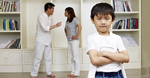 Những sai lầm của cha mẹ sau ly hôn có thể hủy hoại con trẻ