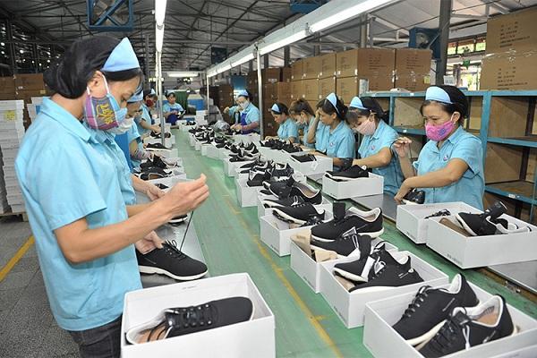 Xưởng cung cấp giày dép chất lượng giúp tối ưu chi phí cho người dùng