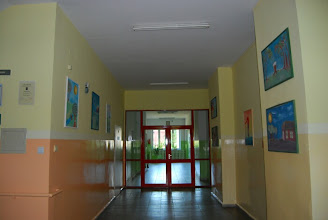Photo: Między I a II piętrem. Prace artystyczne naszych uczniów.
