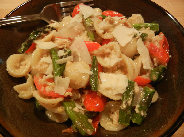 Asparagus & Grape Tomato Salmon Pasta Salad Recipe