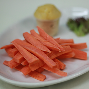 Hummus & Raw Carrots
