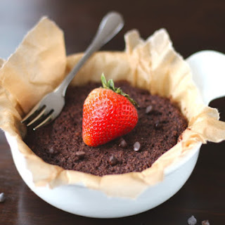 Healthy Single-Serving Chocolate Quinoa Flake Microwave Cake (sugar free, gluten free, vegan)