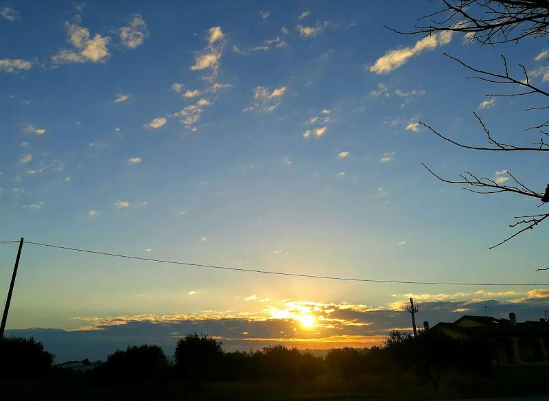 Il tramonto sui campi  di VanessaMariani