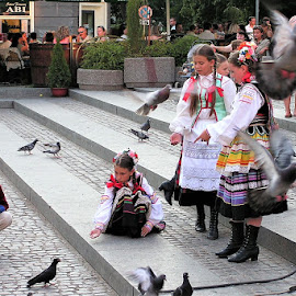 by Tomasz Banasiak - People Street & Candids ( public event, crowd, children, street, festival, recreation, event )