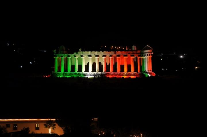Tempio della Concordia tricolore di mbriatore