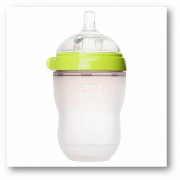 Comotomo Natural-Feel Silicone Baby 8oz Bottle - Green by GREEN WHEEL INTERNATIONAL SDN BHD