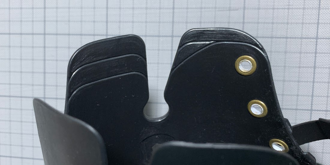 写真6 シェルの立ち上がり部分の切る目安の溝