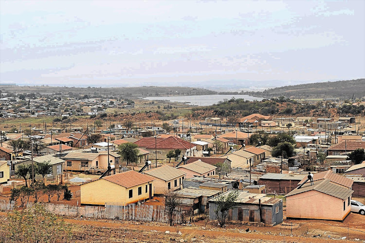 A security guard was killed for preventing thieves in RDP houses.