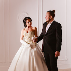 Wedding photographer Elena Scherba (Avinion). Photo of 27.02.2017