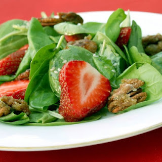 Strawberry Spinach Salad with Candied Pecans Recipe