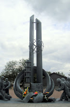 Photo: Firefighter monument in Chernobyl