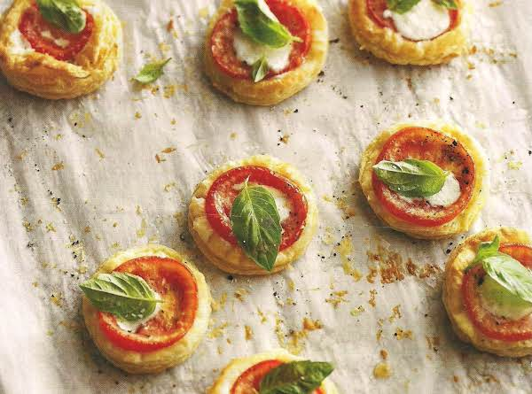 Tomato And Mozzarella Tarts Recipe