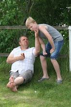 Foto: Wictor sugen på bus, muckar lite med Kenneth... ;-)