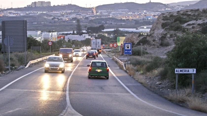 Carretera A100 que da servicio actual desde la A92 hasta la capital que debe ser sustituido por el acceso norte