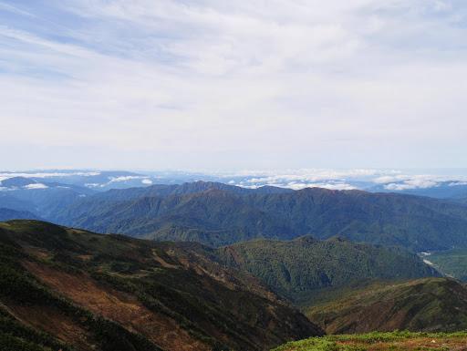 赤兎山や大長山も雲が消え