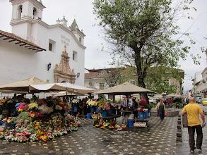 Photo: Flower market, Cuenca