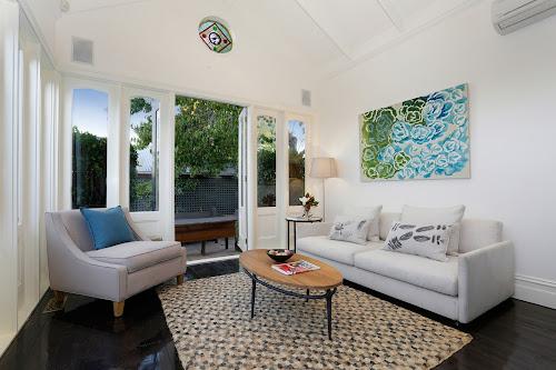 Photo of property at 6 Mckinley Avenue, Malvern 3144