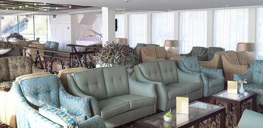 amalyra-lounge.jpg - Meet interesting new people in the main lounge aboard AmaLyra.