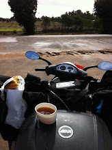 Photo: Taking a break, and lunch.  Menta tea