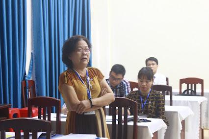 TS. Trần Thị Việt Ngân đóng góp ý kiến
