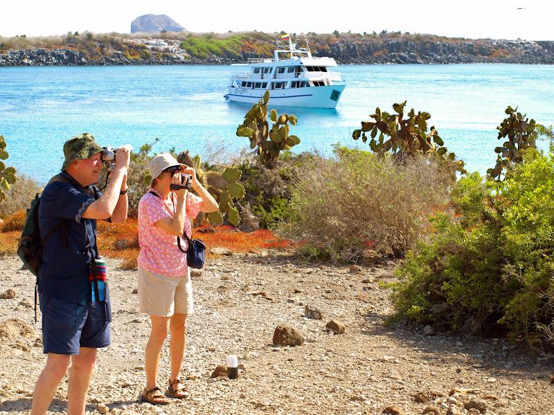 Photo: Galapagos cruise travelers