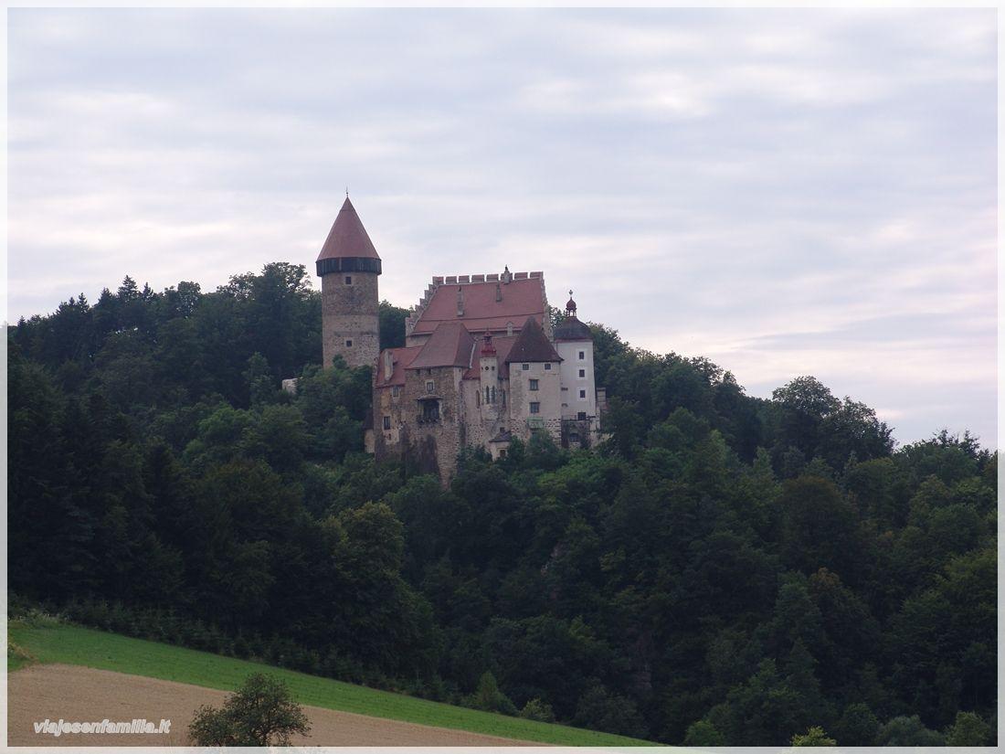 Photo: Castillo de Klam. Austria http://www.viajesenfamilia.it/