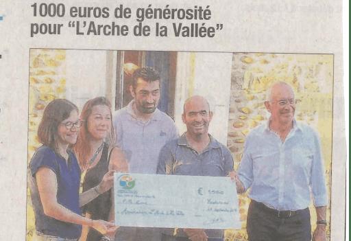 article 1000€ de générosité pour l'arche de la vallée paru dans le dauphiné libéré