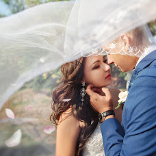 Wedding photographer Tatyana Kuteeva (Kuteeva). Photo of 08.12.2015