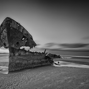 Baltray shipwreck by Peter Krocka - Black & White Landscapes