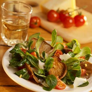 Feldsalat mit gebratenen Austernpilzen