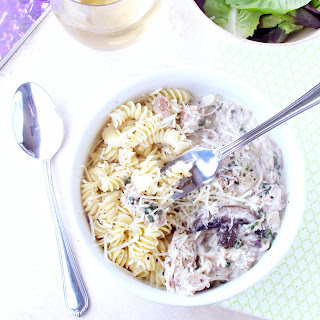 Creamy Rotisserie Chicken and Mushroom Pasta #WeekdaySupper.