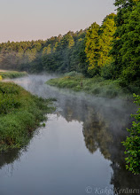 Photo: Kalastaja joella aamutuimaan