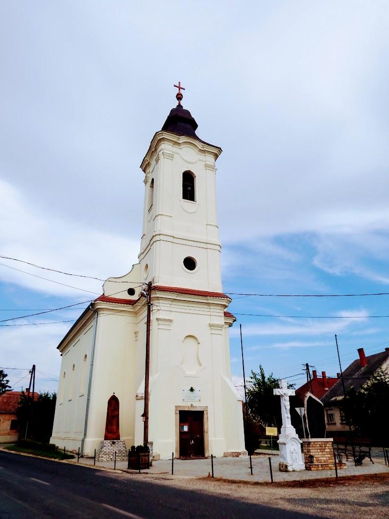 Kenéz - Szent Miklós püspök rk. templom