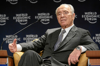 Photo: DAVOS/SWITZERLAND, 26JAN07 - Shimon Peres, Vice-Prime Minister of Israel captured during the session 'Is Freedom Overrated?' at the Annual Meeting 2007 of the World Economic Forum in Davos, Switzerland, January 26, 2007.  Copyright by World Economic Forum    swiss-image.ch/Photo by Remy Steinegger  +++No resale, no archive+++