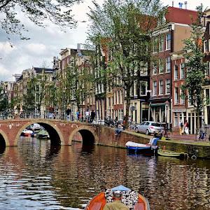 canal in Amsterdam_PIX.JPG