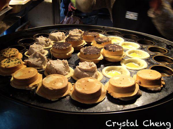 輪の鋪日式紅豆餅 內餡爆滿CP值超高多種口味不推薦怎麼行啦!(廟口小吃)