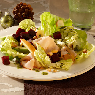 Apfel-Rote-Bete-Salat mit Putenbrust
