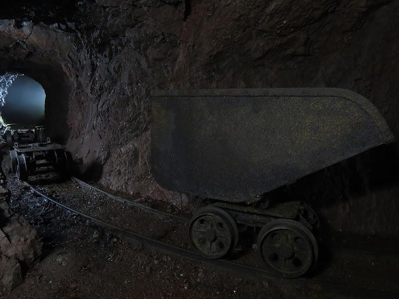 Non c'è miniera senza carrelli di LucaMonego