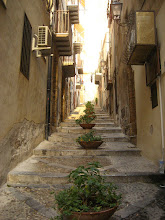 Photo: Cefalu'nun sokakları.   Streets of Cefalu.