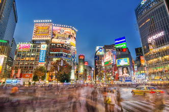 Photo: A busy evening at Shibuya Crossing in Tokyo, Japan